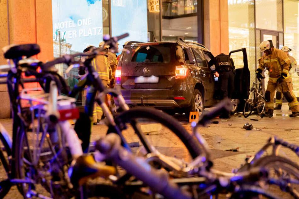 Am Freitagabend hat es einen schweren Unfall in Berlin-Mitte gegeben.