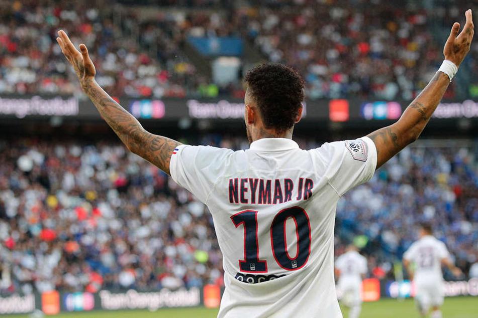 Neymar gegen alle. Der 222-Millionen-Mann von 2017 hat aktuell keinen leichten Stand bei den Fans von Paris.