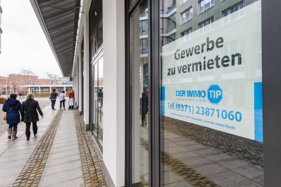 """Im Bürgerhaus """"Am Wall"""" steht eine weitere Gewerbefläche leer. Vermieter ist die Kriton Immobilien GmbH aus München."""