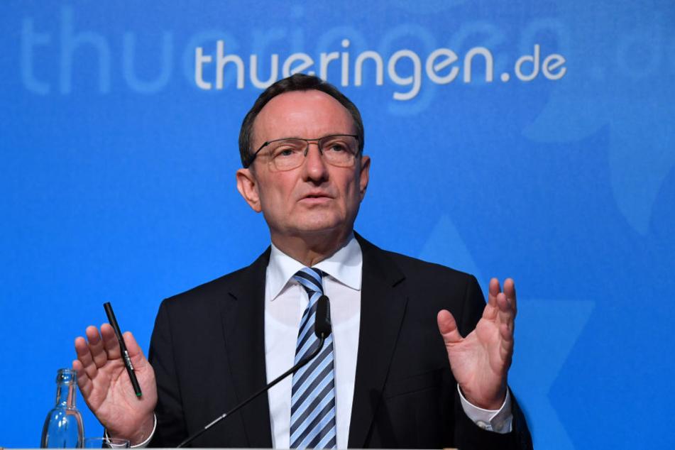 Innenminister Holger Poppenhänger (SPD) befürwortet die Einführung der elektronischen Fußfessel.