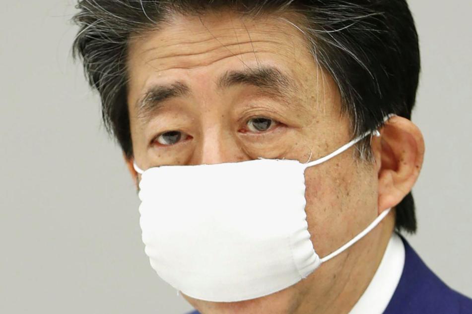 Ministerpräsident Shinzo Abe (65).