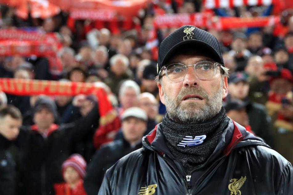 """Liverpools Trainer Jürgen Klopp kam sich vor """"wie der Ochs vor dem Berg"""", als er Kovacs warten musste."""