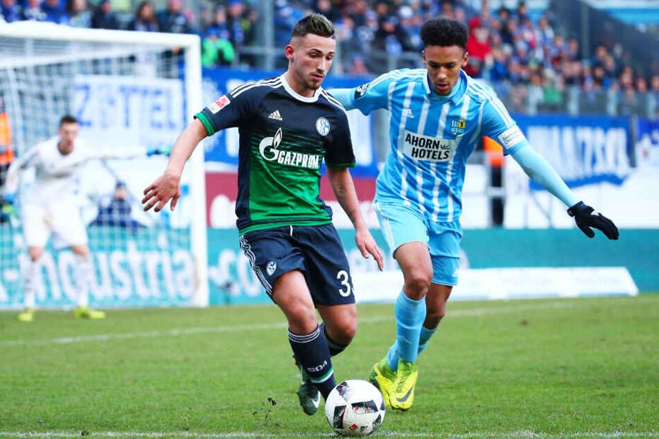 Donis Avdijaj (l.), hier im Duell mit CFC-Verteidiger Jamil Dem, war beim FC Schalke 04 ein riesengroßes Talent.