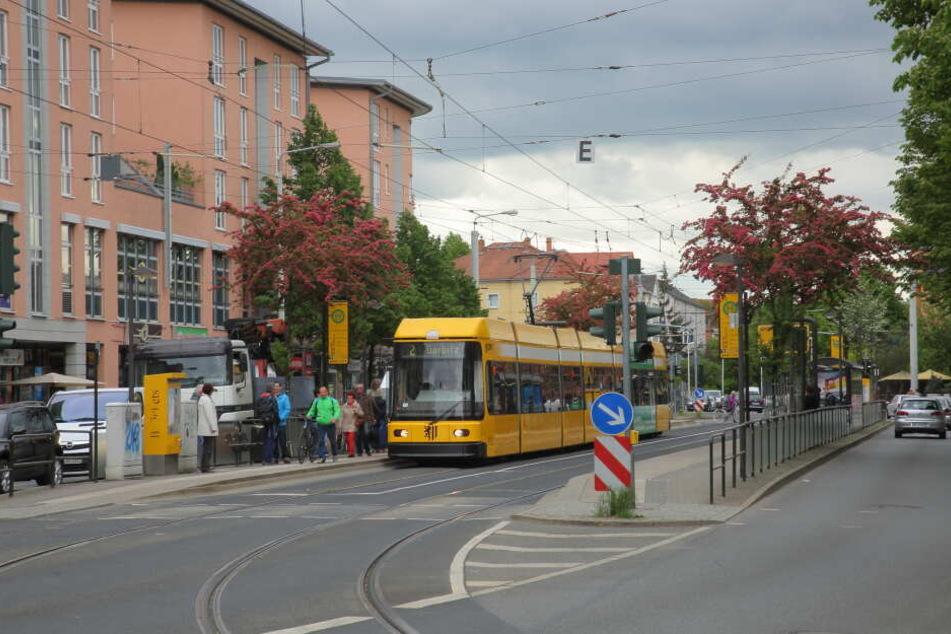 In Höhe der Zwinglistraße wurde der Mann in der Bahn zusammengeschlagen.