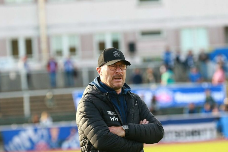 Interimstrainer Wolfgang Wolf feierte den dritten Sieg ohne Gegentor in Folge mit Lok Leipzig.
