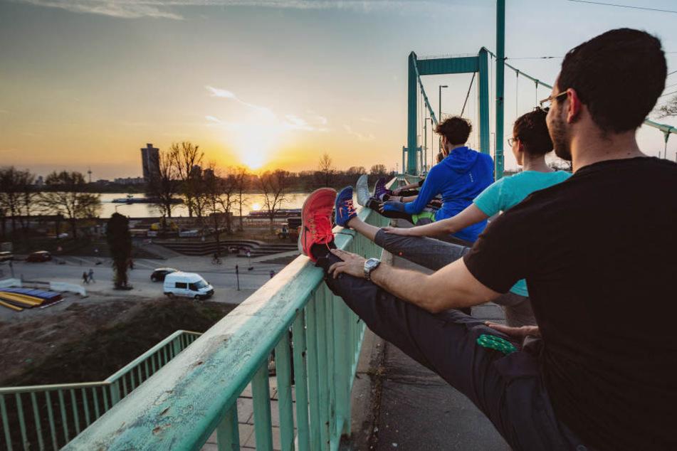 Noch können Jogger über die Mühlheimer Brücke laufen.