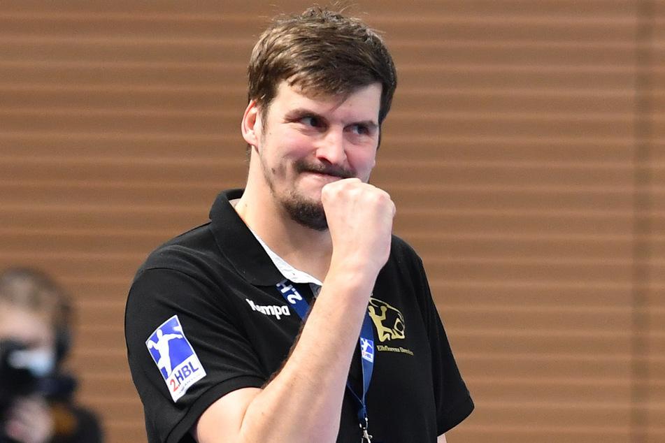 HCE-Coach Rico Göde fordert gegen TuS Kampf und Leidenschaft, damit er morgen die Siegerfaust ballen kann.