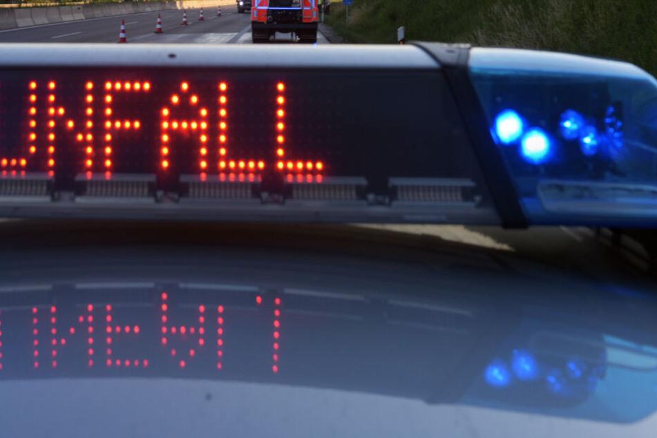 Tödlicher Horror-Unfall auf A95: Audi bei Crash regelrecht zerfetzt, Mann hat keine Chance