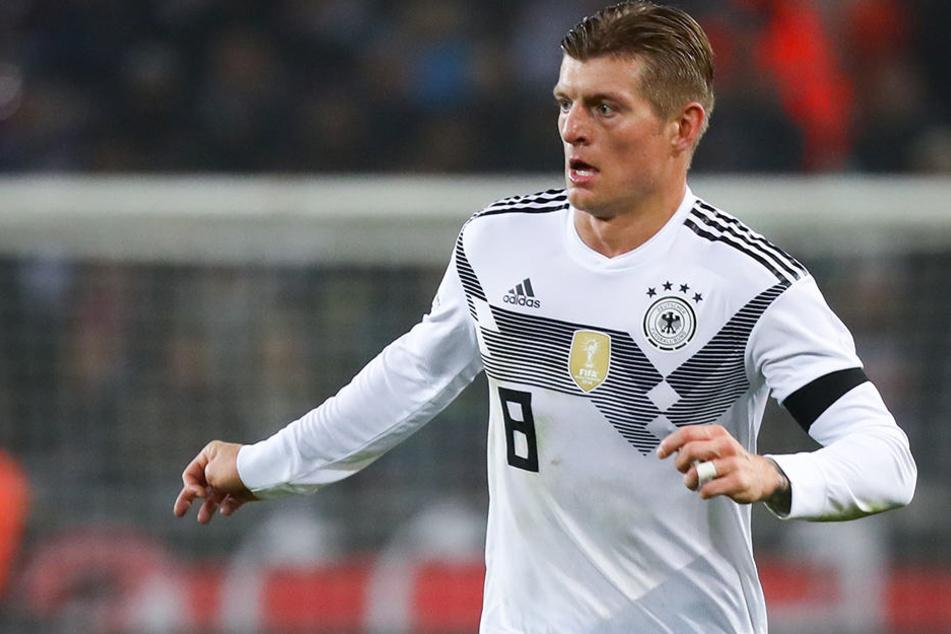 Toni Kroos (28) im Trikot der deutschen Fußball-Nationalmannschaft.