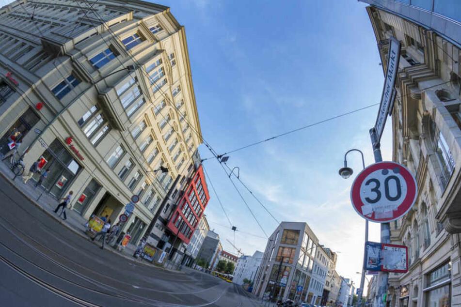 Über ein Tempolimit von 30 Stundenkilometern innerhalb der Stadt wird im Bundestag debattiert.