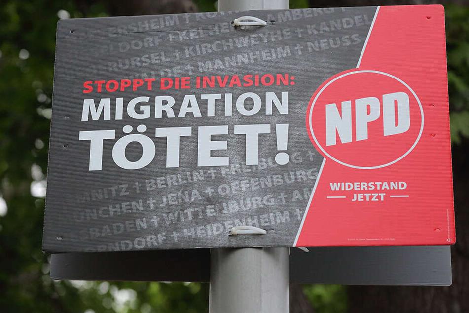 Um dieses Plakat der NPD geht es.