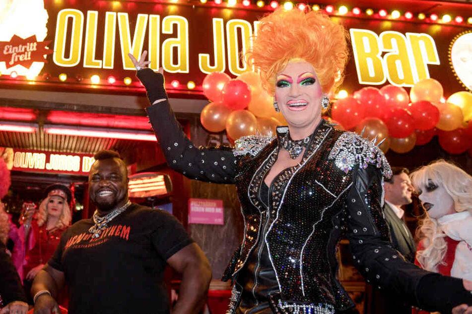 Travestiekünstlerin Olivia Jones hat sich auf St. Pauli ein kleines Lust-Imperium aufgebaut.