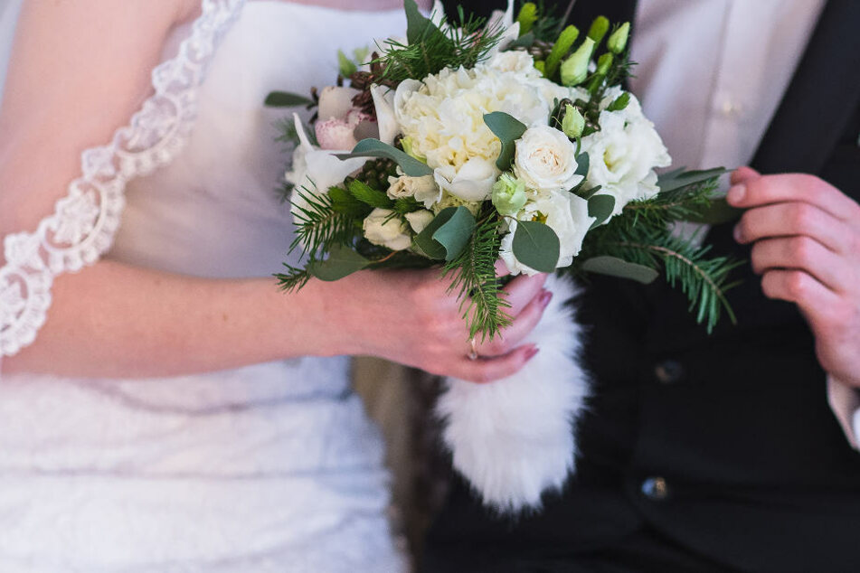 Eine Braut ist bei ihrer eigenen Hochzeitsfeier ausgerastet. (Symbolbild)
