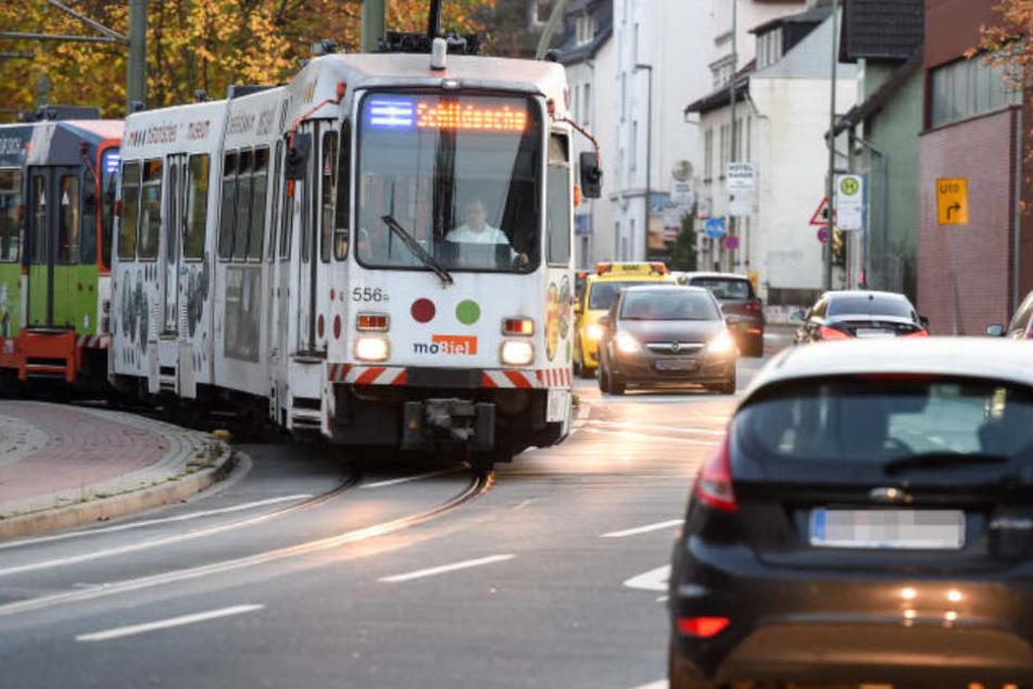Bus Berlin Bielefeld : stadtwerke gruppe streikt kein stadtbahn und bus verkehr ~ Markanthonyermac.com Haus und Dekorationen
