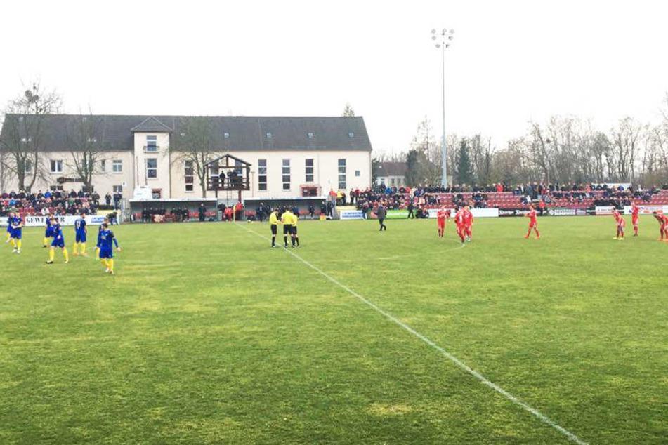 Nach einer eher ruhigen ersten Halbzeit mussten sich die Blau-Gelben im zweiten Spielabschnitt gegen ZFC Meuselwitz geschlagen geben.