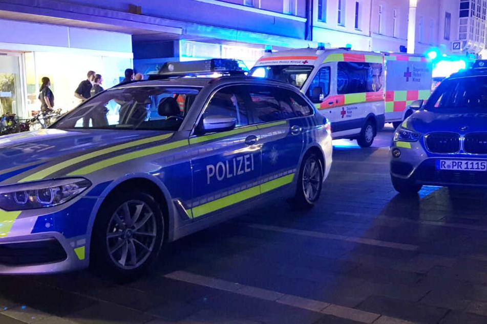 Die Polizei und der Rettungsdienst waren in Regensburg im Einsatz.