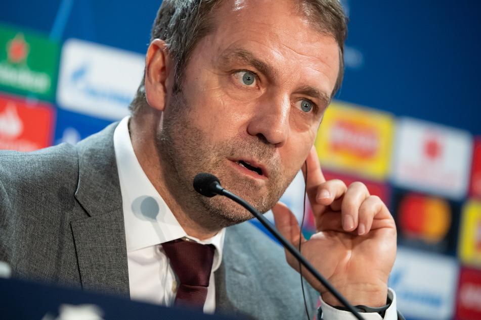Trainer Hansi Flick (55) und die Spieler des FC Bayern München wollen auch in der Champions League am Ende dies Nase vorne haben.