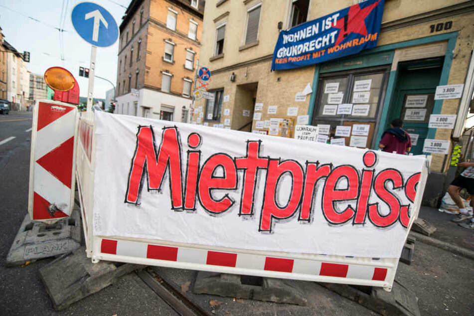 Wohnungsnot und hohe Mietpreise führten schon in mehreren Deutschen Städten zu Protesten (Archivbild).