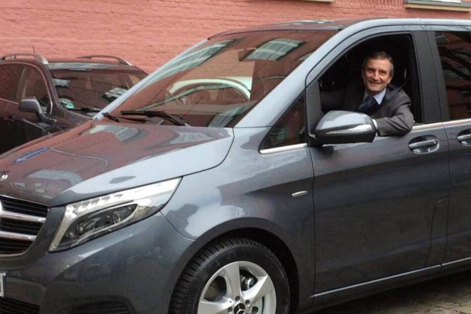 Düsseldorfs Oberbürgermeister Thomas Geisel (55) soll die Umweltspur mit seinem Diesel nutzen dürfen.