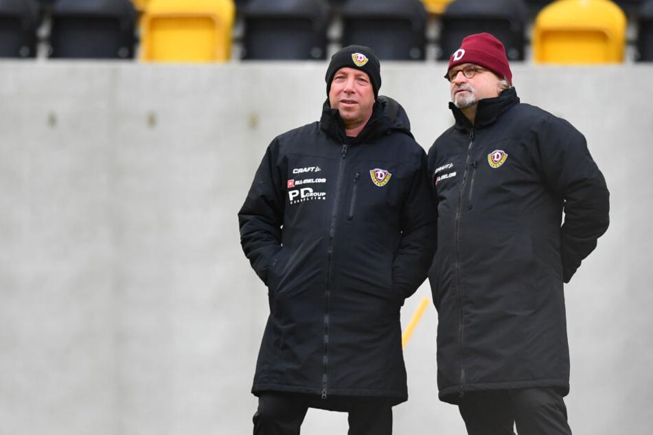 Markus Kauczinski (l.) hat in seinen ersten Dresdner Tagen sehr viel mit Co-Trainer Heiko Scholz gesprochen und sich ein genaues Bild von jedem einzelnen Spieler gemacht. Die heutige Startelf hat der Dynamo-Coach schon seit Freitag im Kopf.