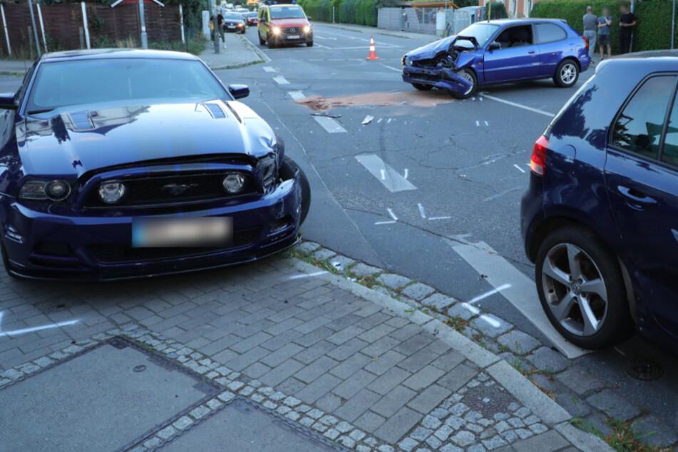 Kaditz: Drei Autos in schweren Kreuzungs-Crash verwickelt
