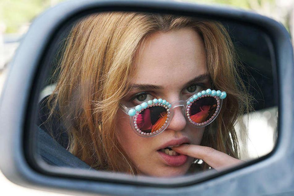 Lily Colson (Odessa Young) ist eine starke junge Frau, die sich aber viele Feinde macht.