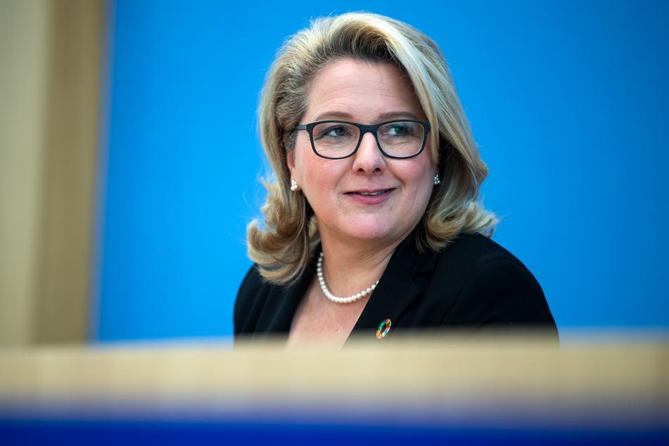 Umweltministerin Svenja Schulze fordert die Verteilung von Wasser klarer festzulegen.