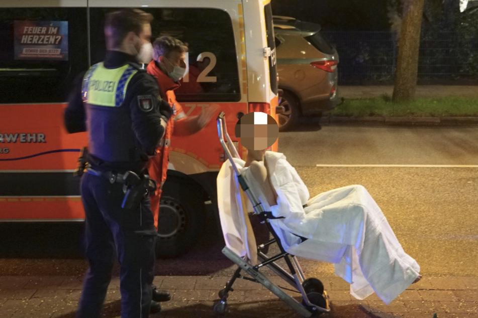 Eine unter Drogen stehende Person wurde in ein Krankenhaus gebracht.