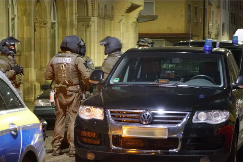 Wegen einer Spielzeugwaffe musst die Spezialeinheit der Polizei ausrücken.