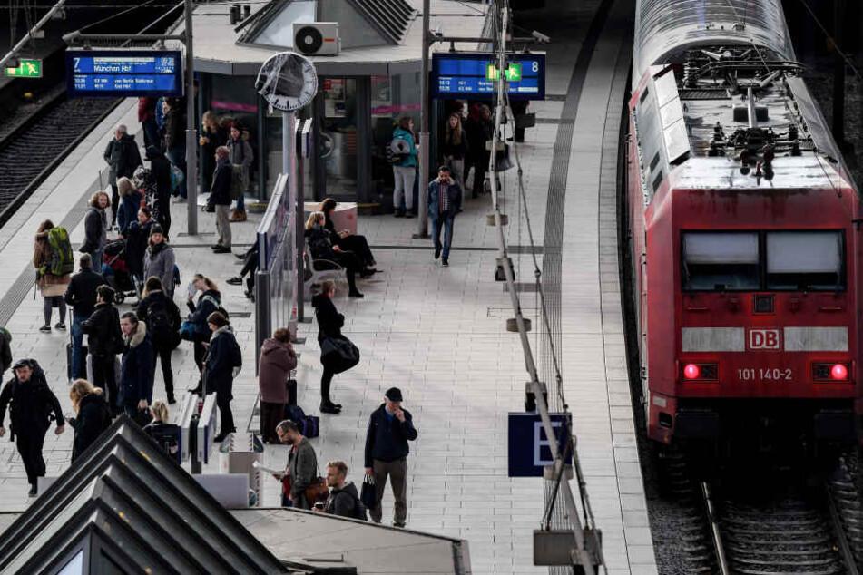 Der Verkehr wird über Hanau umgeleitet (Symbolfoto).