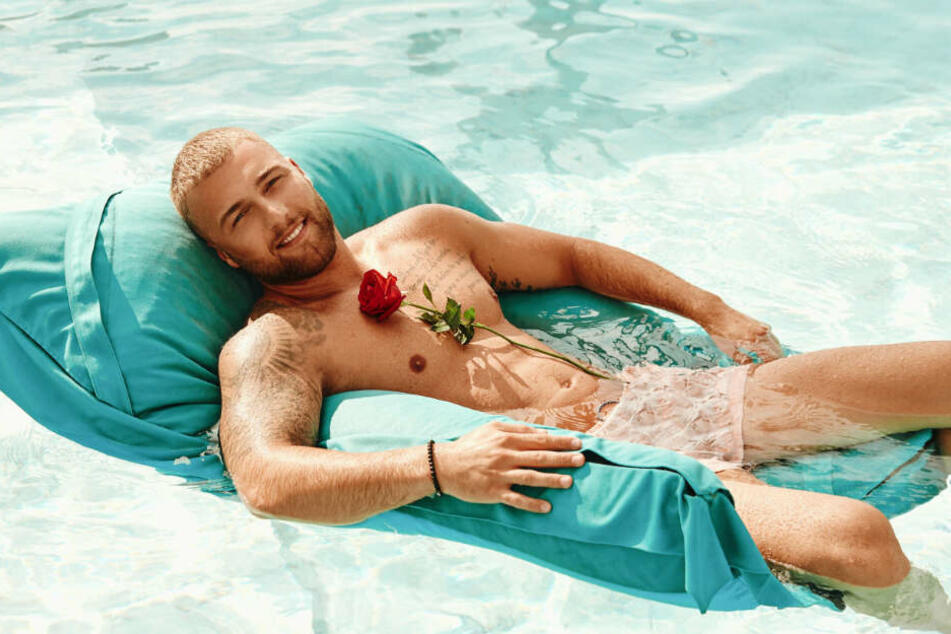 Filip Pavlovic sucht im Paradies die große Liebe.