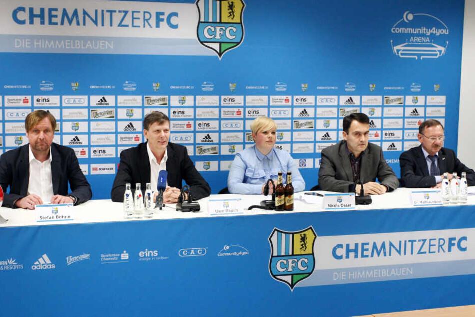 Am Donnerstag wurde der neue CFC-Vorstand präsentiert (v.l.): Stefan Bohne, Uwe Bauch (Vorsitzender CFC-Aufsichtsrat), CFC-Sprecherin Nicole Öser, Dr. Mathias Hänel und Herbert Marquard.
