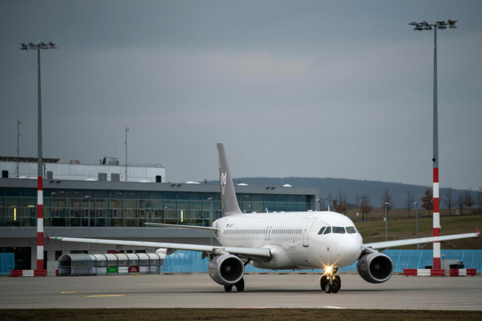 Airbusse der Fluggesellschaft Sundair übernehmen die Streckenflüge nach Griechenland.