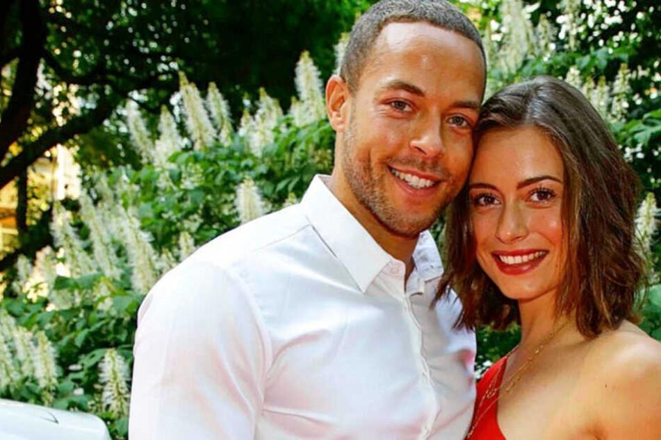 Der 32-Jährige mit seiner Bachelor-Liebe Jennifer Lange.