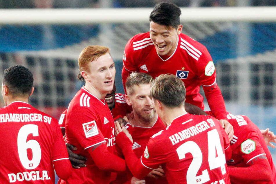 Der Spieler des Hamburger SV sind oben auf und freuen sich auf das letzte Spiel das Jahres.