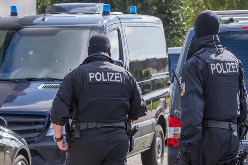 Spezialeinheiten der Polizei gingen im August 2017 gegen die Nordkreuzgruppe in Mecklenburg-Vorpommern vor.