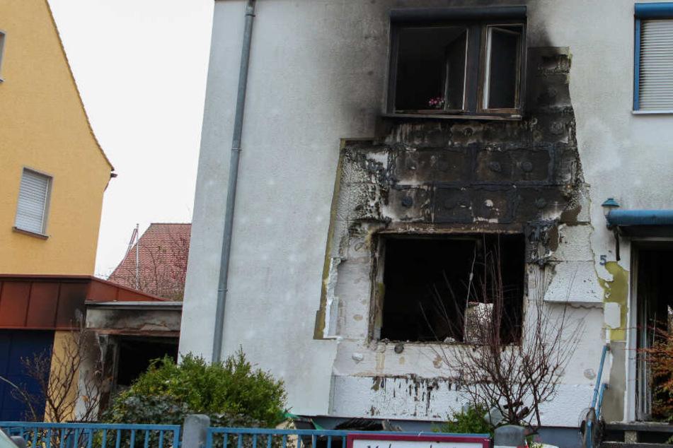 Die Rettungskräfte fanden in dem zerstörten Haus die Leiche des Mannes.