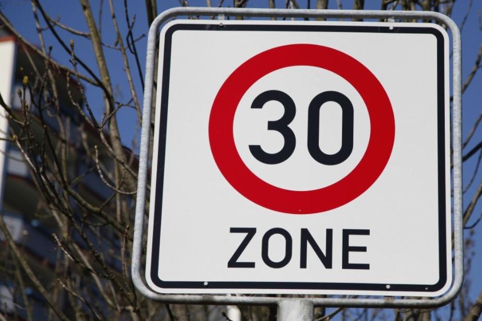 Auf der Bergisch Gladbacher Straße wird eine 30er Zone (Symbolbild).