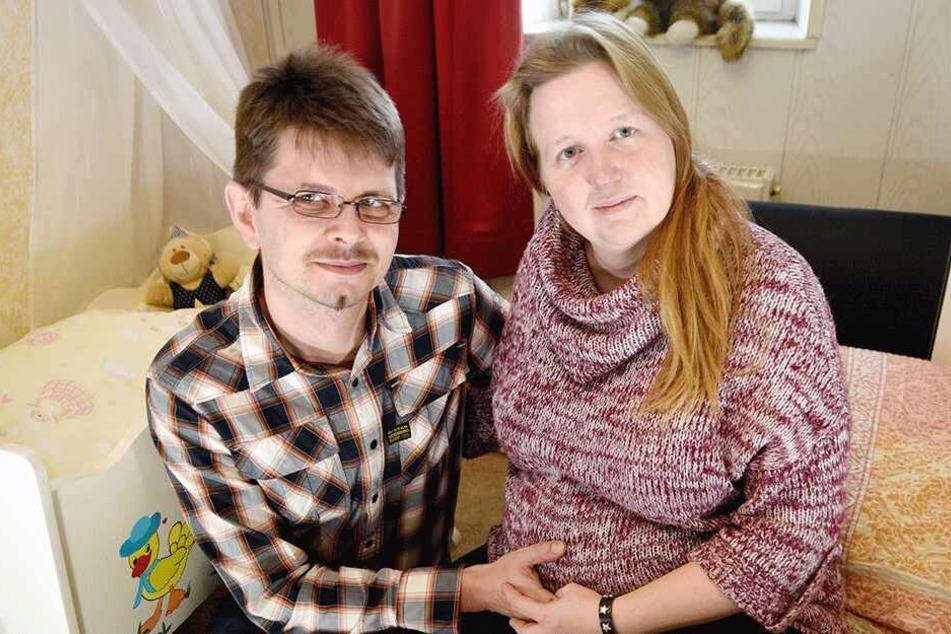 Jennifer Kandziora (40) und Alexander Sterz (38) erwarten Ende April ihr Baby.