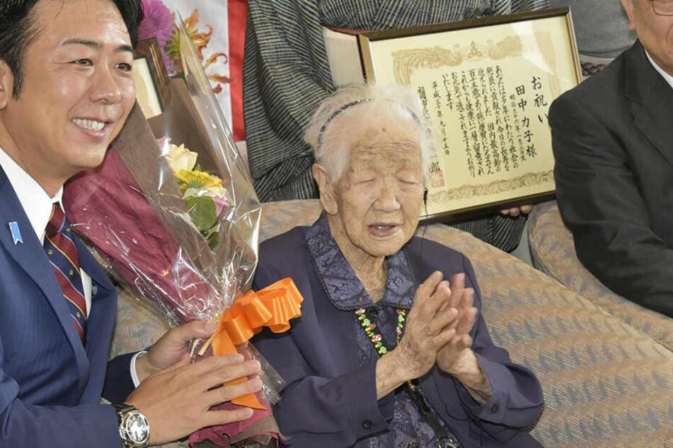 Vor einem Jahr, am 14. September 2018, wurde Kane Tanaka als älteste Frau Japans gekürt. Sie ist eine der über 70.000 über 100-Jährigen Japans.