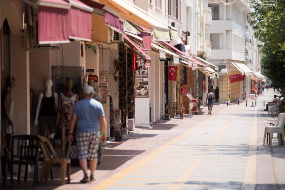 Die Stadt Kemer in der Provinz Antalya ist bei vielen Touristen ein beliebtes Reiseziel.
