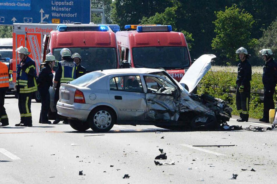 Geisterfahrer sorgt für Chaos auf der A2: Mehrere Schwerverletzte