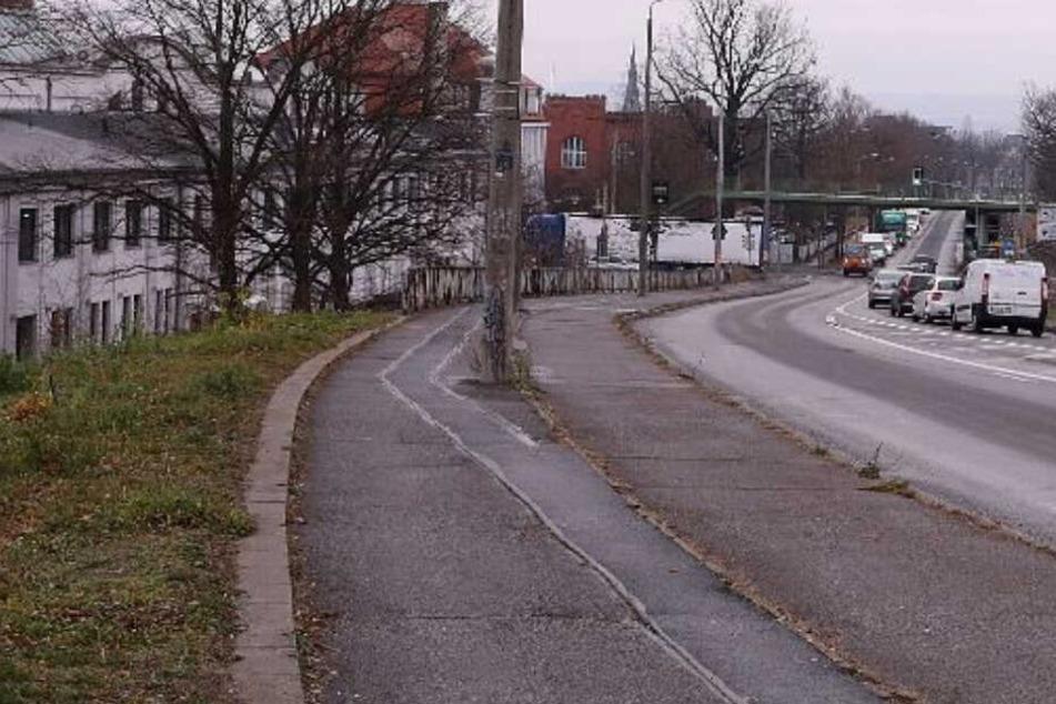 Das Unglück ereignete sich auf der Königsbrücker Straße in Richtung Dresden-Klotzsche.