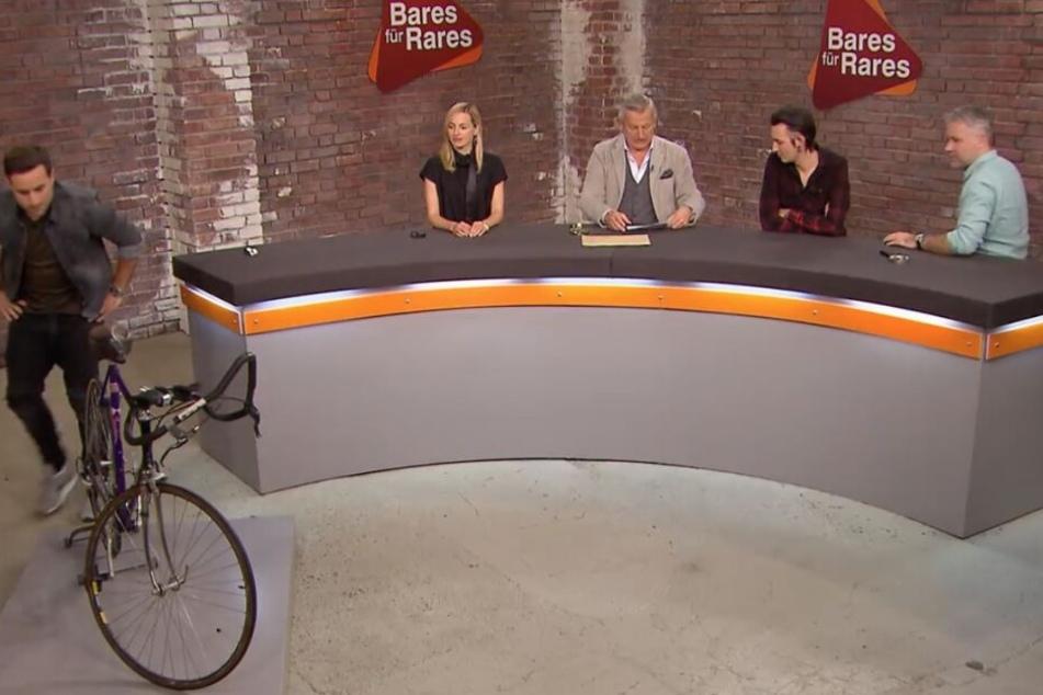 """Merkel bei """"Bares für Rares: Rennrad mit berühmten Vorbesitzer!"""