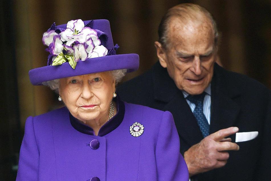 """Queen Elizabeth (92) findet ihren Mann Prinz Philip (97) in der """"Netflix""""-Produktion schlecht dargestellt."""