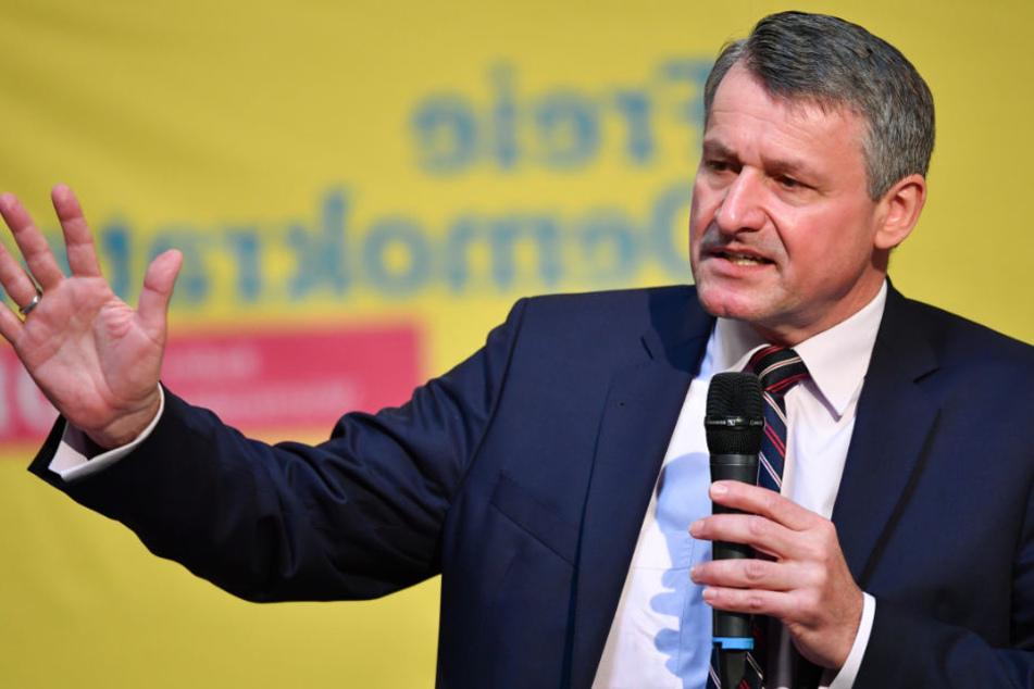 Der FDP-Fraktionschef Hans-Ulrich Rülke nimmt bei der AfD im Stuttgarter Landtag kein Blatt vor dem Mund.