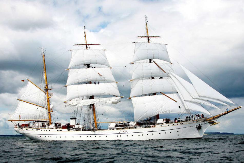 """Die """"Gorch Fock"""" ist das Schulschiff der Marine. Zur Zeit liegt sie in einer Werft und wird saniert."""