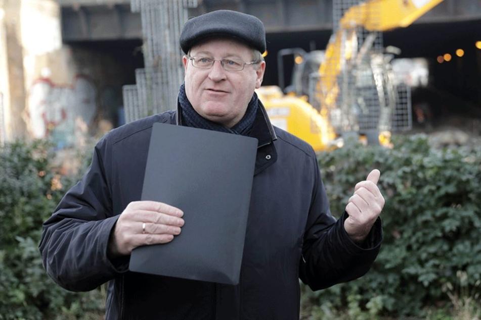 Der Verkehrsstaatssekretär Jens-Holger Kirchner (Die Grünen) findet die Parkgebühren in Berlin zu niedrig.