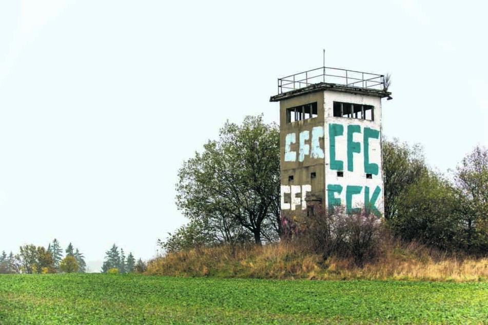 Relikt an der Autobahn: Grenzturm soll Gedenkort werden