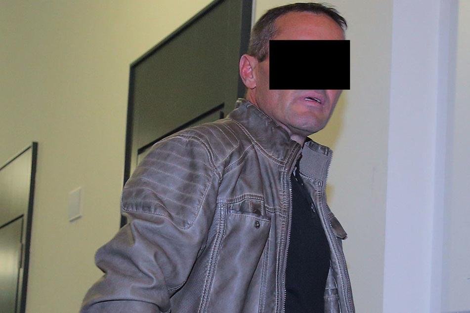 Im Krankenhaus Neustadt würgte der Straßenbauer Jesus M. (43) seine Ex, bis eine Schwester eingriff.